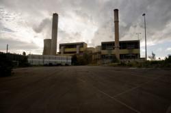 Australia delays carbon emissions trading